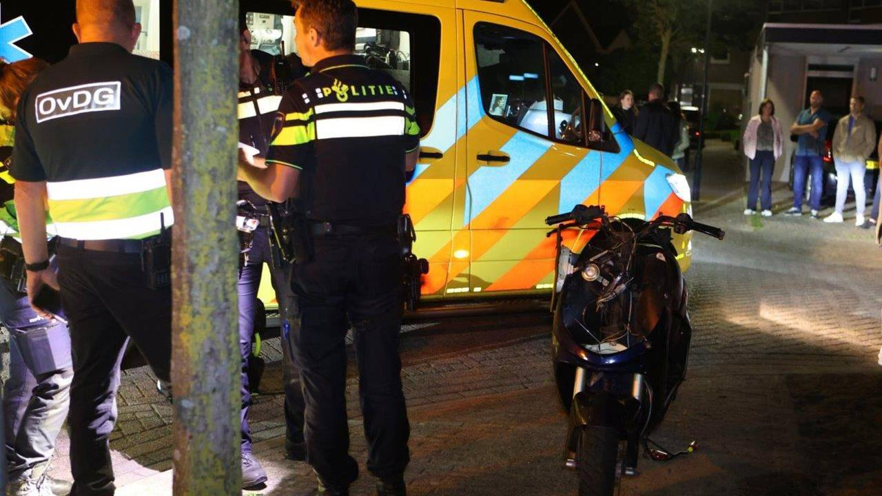 Scooterrijder zwaargewond na botsing met groepje fietsers in Esch.