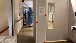 De gang op de corona-intensive care afdeling van het MMC. Foto: Omroep Brabant.