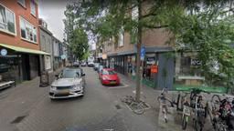 De Kleine Berg in Eindhoven, met links de Delicious Store).