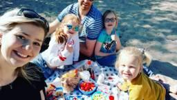 Nathalie van Heesch met haar gezin (foto: Nathalie van Heesch).