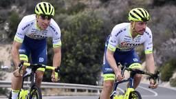 Danny (links) en Boy van Poppel gaan zaterdag samen van start in de Tour de France (foto: Belga Photo / Eric Lalmand).