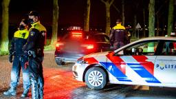 De politie in Veen (Foto: Marcel van Dorst / SQ Vision).
