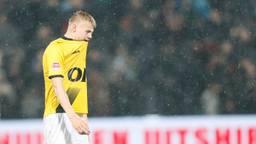 Teleurstelling bij NAC-verdediger Jan Paul van Hecke (foto:Orange Pictures / Gino van Outheusde).