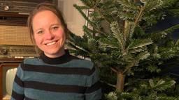 Marieke verkoopt duurzame kerstbomen.