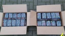 De politie nam cobra's en nitraten in beslag (foto: politie Eindhoven).
