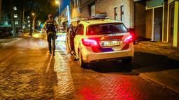 De politie doet onderzoek op de Kanstraat in Eindhoven (foto: SQ Vision).