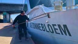 De Zonnebloem werd eind maart opgepoetst voor de proefvaart. (foto: Raoul Cartens)
