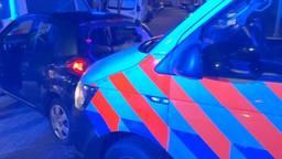 De politie had het zaterdagavond en -nacht druk in Bergen op Zoom (foto: Facebook politieteam Bergen op Zoom).