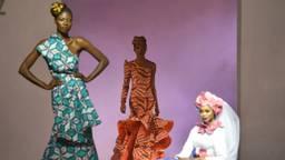 Modeshow met stoffen van Vlisco in 2016 (foto: AFP).