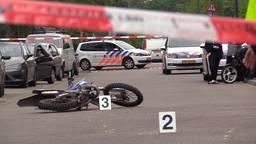 De achtergelaten motor na het ongeluk (foto: Bart Meesters).