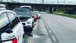 De auto is staande gehouden in Breda (foto: verkeerspolitie_zwb/Instagram).
