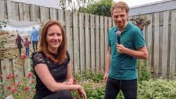 Eindelijk kan Marsha met haar passie aan de slag (foto: Marsha en compagnon Sem van den Borne).