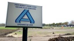 De nieuwe Aldi in Reek had eigenlijk al open moeten zijn (foto: Jan Peels)