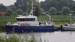 Grote zoekactie naar drenkeling in de Maas bij Oeffelt