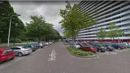 De auto van de vrouw stond in de Hoffmannlaan in Tilburg (afbeelding: Google Streetview).