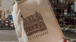 Tas met pentekening van de Spaarbank (foto: Jim van Roosmalen).