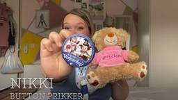 Nikki is ook te zien in de video (beeld: YouTube)