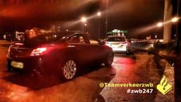 De automobilist moest zijn rijbewijs inleveren (foto: Twitter Team Verkeer Zeeland-West-Brabant).