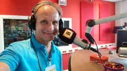 Johan Vlemmix te gast bij het radioprogramma 'Lekker Weekend'.