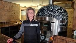 Veel kritiek op sluiting restaurants waar eigen personeel op terras zat