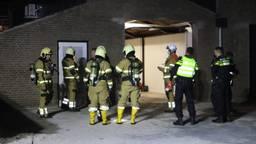 Veel brandweer aanwezig bij de vondst van een drugslab in Veghel (foto: Sander van Gils/SQ Vision)