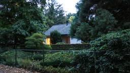 Het overvallen huis (foto: SQ Vision Mediaprodukties).