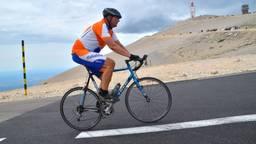 Loco-dijkgraaf Ernest de Groot bedwingt weer de Mont Ventoux (privéfoto).
