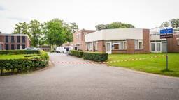 Het complex waar het slachtoffer en de verdachte werden gevonden (foto: Sem van Rijssel/SQ Vision Mediaprodukties).