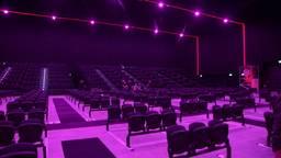 In de theaterzaal van de Brabanthallen kunnen 1000 bezoekers.