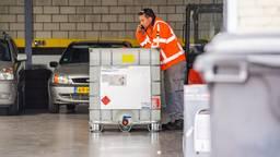 Grondstoffen voor drugs gevonden in autogarage (foto: SQ Vision)