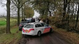 Een grote groep crossers werd door de politie in de buurt van Alphen ingesloten en gecontroleerd (foto: politie).