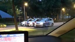 Het verjaardagsfeest in Berkel-Enschot werd door agenten stopgezet (foto: Facebook politie Groene Beemden)