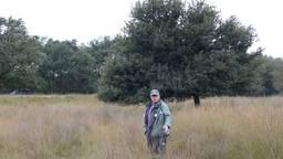 Jap Smits op de Strabrechtse Heide; hij is er al tientallen jaren boswachter.