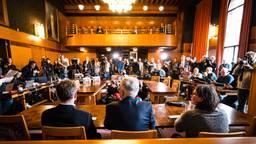 Grote drukte op de persconferentie over de eerste coronapatiënt in Tilburg. Foto: ANP