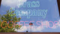 De gemeente Tilburg wil vestigingen van coffeeshop The Grass Company sluiten.