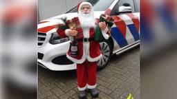 Wie kent deze kerstman? (foto: politie Cranendonck, Heeze-Leende / Instagram)