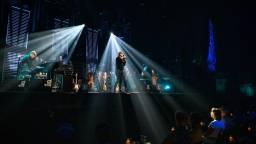 Guus Meeuwis voor het eerst op het podium van Club Zoveel. (Foto: Jostijn Ligtvoet Fotografie)