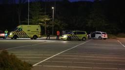 Hulpdiensten op de parkeerplaats (foto: Christian Traets/SQ Vision).
