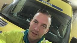 Ambulancebroeder Jelle uit Dongen zijn verhaal wordt massaal gedeeld.