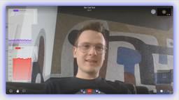 Student Arne Reijntjes test de app.