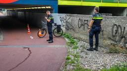 Fietser zwaargewond na botsing bij tunnel in Eindhoven