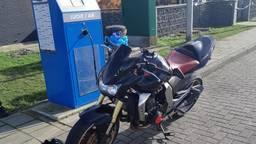 De motorrijder is zijn rijbewijs kwijt (foto: Politie).