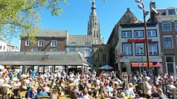 Het terras aan de Bredase Haven in betere tijden (foto: Henk Voermans).