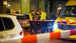 De politie onderzoekt wat er precies is voorgevallen op de Otterstraat in Eindhoven (foto: Sem van Rijssel/SQ Vision).