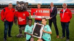 Supporters Vereniging Helmond Sport sponsort jeugdopleiding uit eigen zak (Foto: Helmond Sport)