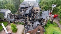 De ravage na de brand in het gemeentehuis. (Foto: ANP)