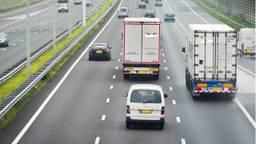 Vrachtwagens op de snelweg. (Foto: ANP)