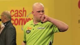 Michael van Gerwen won ruim van 'Barney'.  (Foto: Lawrence Lustig/PDC)