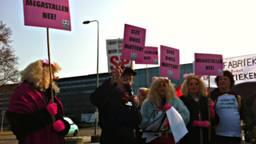 Een protest tegen megastallen.