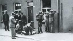 Geallieerden houden Duitsers onder schot.